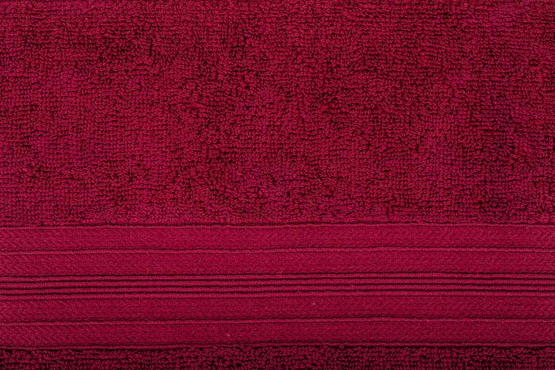 מגבת רחצה גדולה בצבע אדום יין